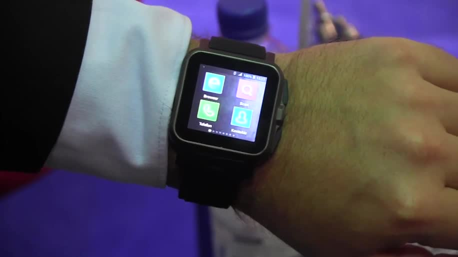 Smartphone, Handy, smartwatch, Hands-On, Hands on, Uhr, IFA 2013, Pearl, Simvalley, AW-414.Go