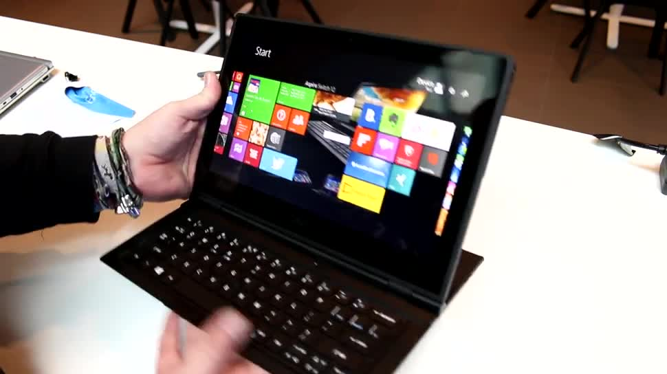 Tablet, Intel, Notebook, Laptop, Hands-On, Acer, Hands on, 2-in-1, Windows 8.1 Tablet, Intel Core M, Broadwell, Aspire, Acer Aspire Switch 12