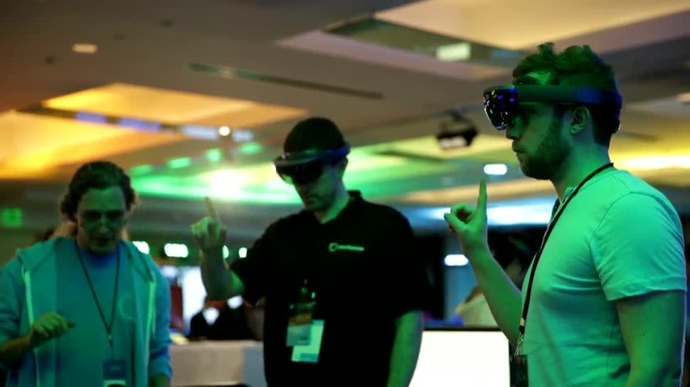 Microsoft, Windows 10, Augmented Reality, Build, Augmented-Reality, HoloLens, Build 2015, AR-Brille