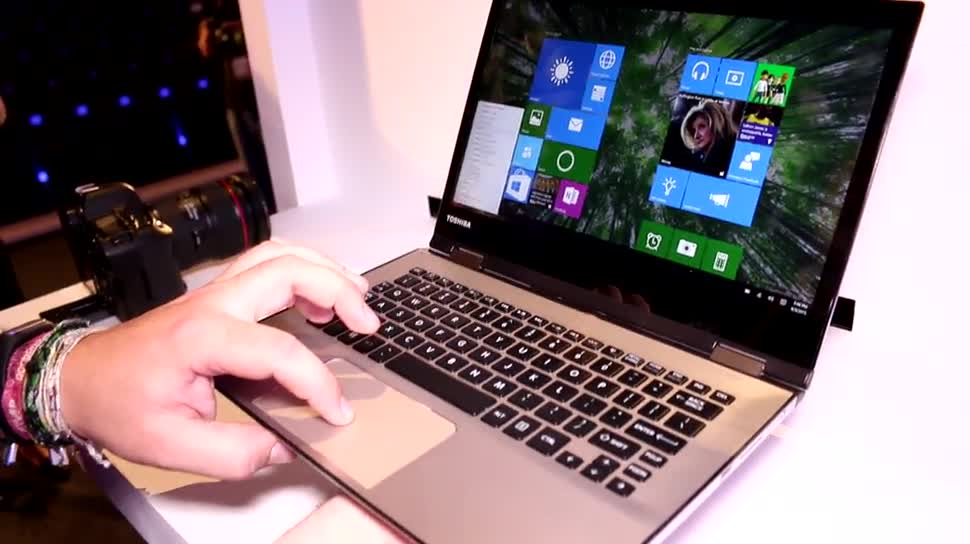 "Tablet, Windows 10, Notebook, Laptop, Quadcore, Test, Hands-On, Ultrabook, Hands on, 2-in-1, Toshiba, Computex, Review, Skylake, Computex 2015, 4K-Display, Toshiba Satellite, Intel ""Skylake"""