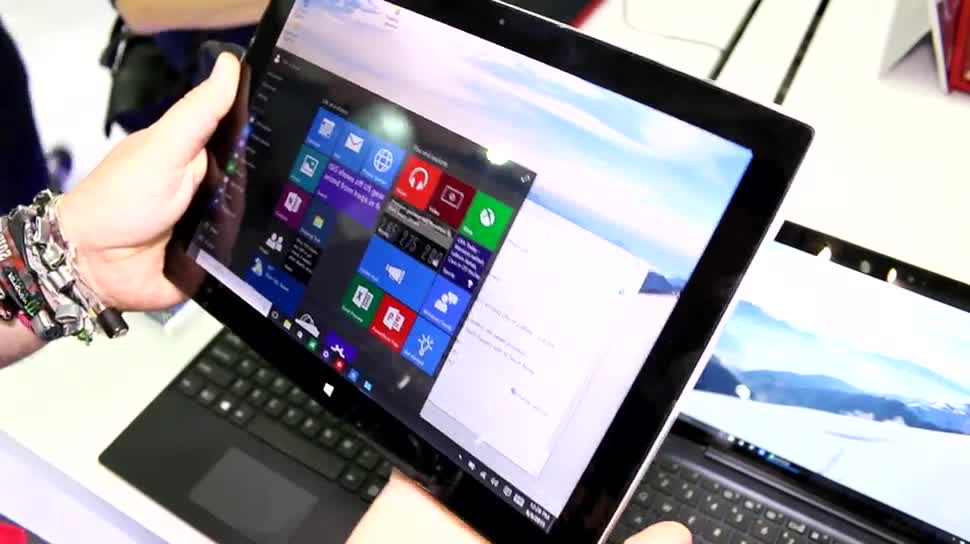Tablet, Windows 10, Sony, Intel, Windows 8.1, Quadcore, Hands-On, Hands on, Keyboard, Computex, Dock, Intel Core i7, Computex 2015, Vaio, Ständer, VAIO Z, VAIO Z Canvas