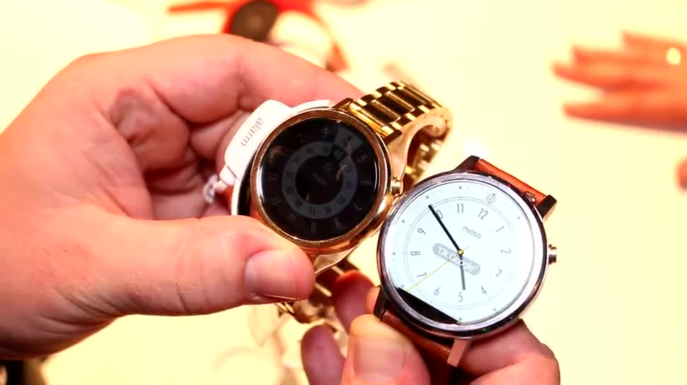 smartwatch, Hands-On, Ifa, Uhr, Wearables, Armbanduhr, IFA 2015, Android Wear, Moto 360, Motorola Moto 360