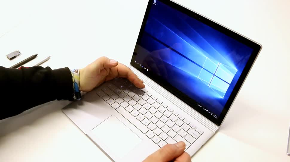 Microsoft, Tablet, Windows 10, Video, Notebook, Surface, Microsoft Surface, Laptop, Test, Hands-On, Hands on, Surface Tablet, Surface Book, Microsoft Surface Book, Book, Erster Eindruck