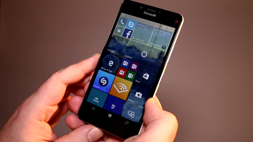 Microsoft Lumia 950 im Hands-On: das 'kleine' Windows 10 ...