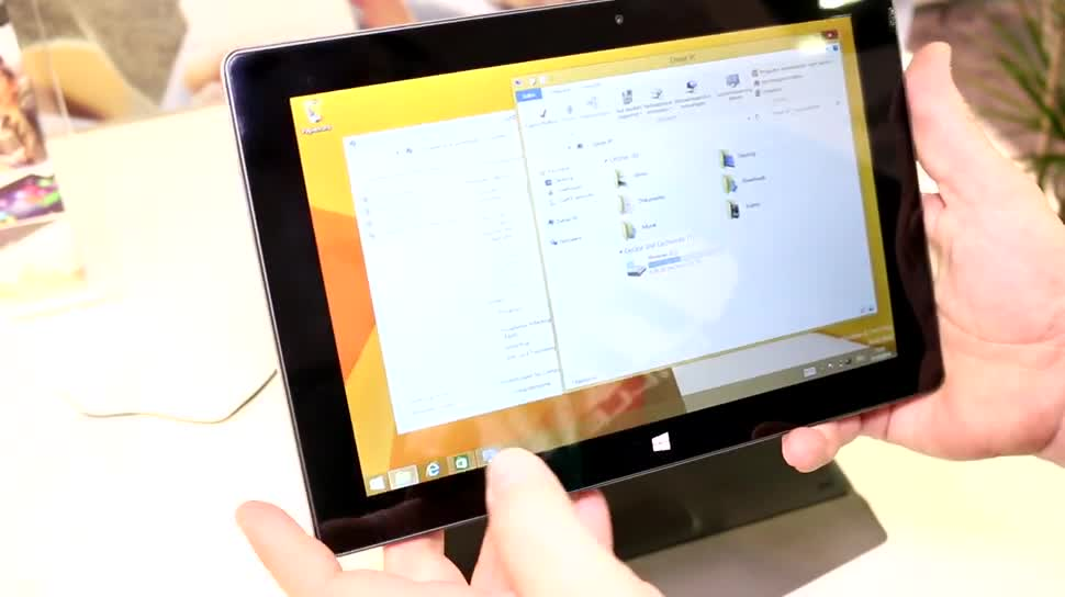 Windows, Tablet, Windows 8.1, Hands-On, Tastatur, IFA 2014, Trekstor, Keyboard-Cover, SurfTab, TrekStor SurfTab wintron 10.1, Volks-Tablet, wintron