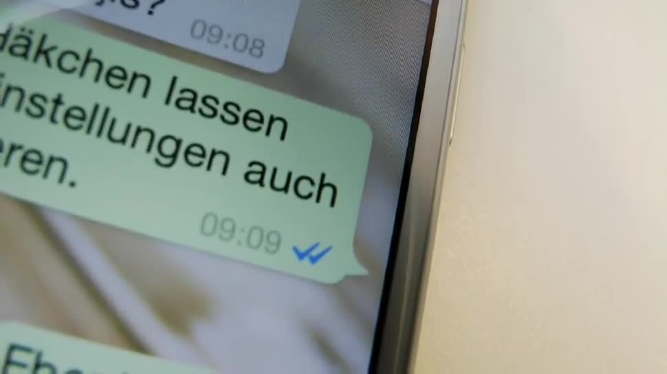 blaue haken in whatsapp chat