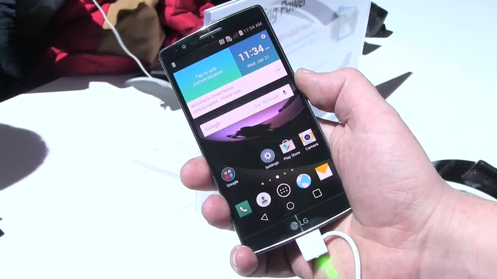 """Smartphone, LG, Hands-On, Qualcomm, Ces, Octacore, Hands on, Full Hd, Lollipop, Android 5.0, Ces 2015, Qualcomm Snapdragon 810, 64-Bit, flexibel, gebogen, POLED, Plastic OLED, P-OLED, LG G Flex2, Google Android 5.0 """"Lollipop"""""""