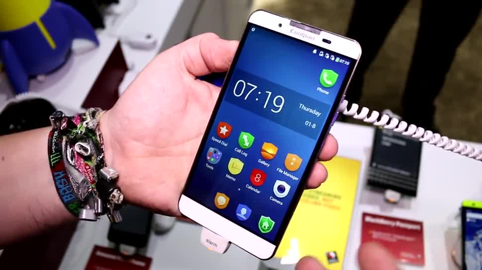 Smartphone, Android, Hands-On, Qualcomm, Ces, Ces 2015, Dual-OS, Dual OS, Coolpad, Coolpad V1-C