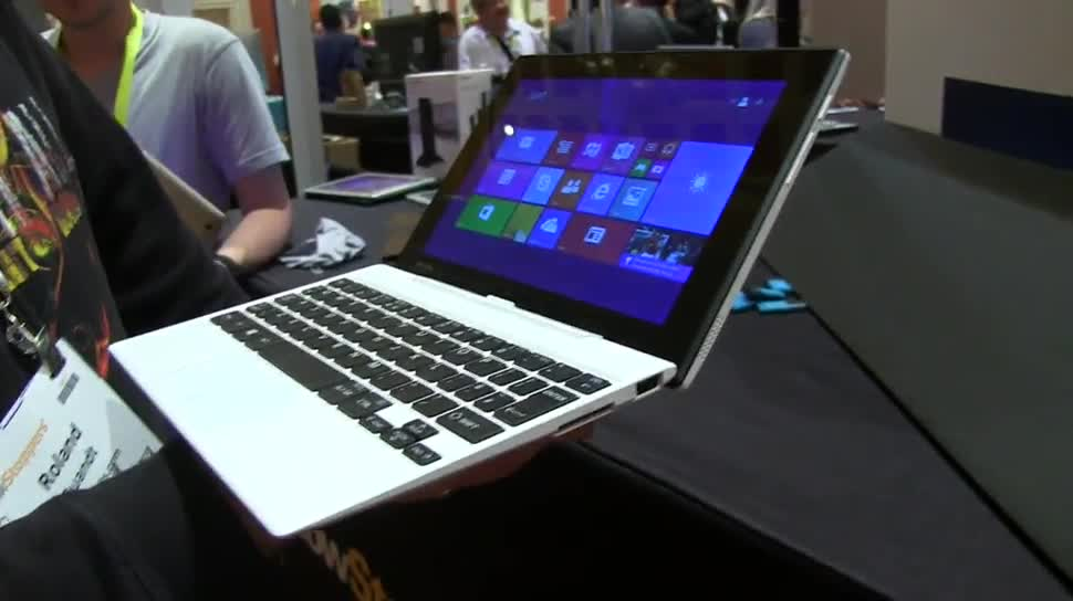 Notebook, Hands-On, Ces, 2-in-1, Toshiba, Convertible, Ces 2015, Windows 8.1 mit Bing, Detachable, Satellite Click Mini, WT9-B, Toshiba Click Mini