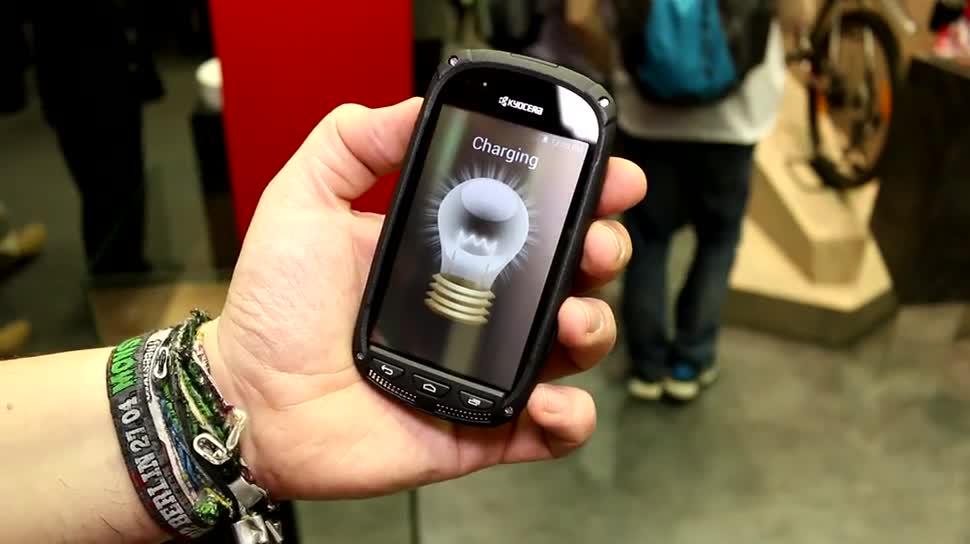 Smartphone, Display, Solarzelle, Kyocera, SunPartner, Wysips Crystal