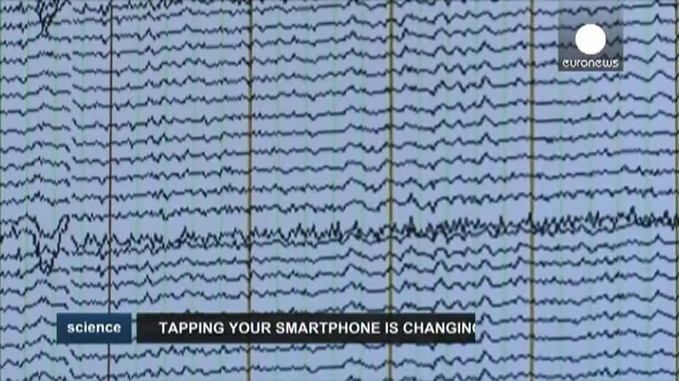 Smartphone, Touchscreen, Gehirn, EEG, Universität Zürich, Elektroden, Arko Ghosh