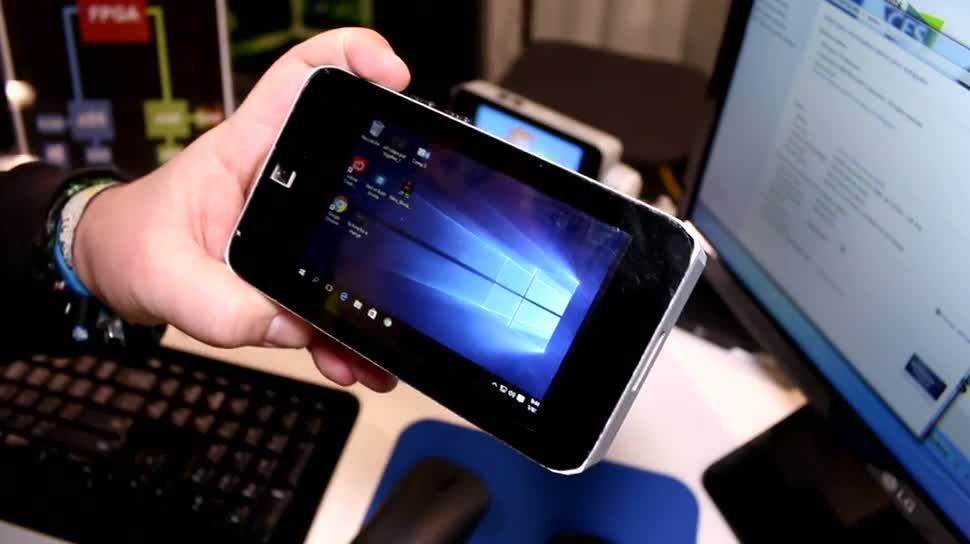 Microsoft, Smartphone, Android, Windows 10, Tablet, Pc, Test, Hands-On, Desktop, Quadcore, Ces, Hands on, Review, Intel Atom, CES 2016, Freescale, i.MX6, Nitro Duo, Intel Atom Z3875