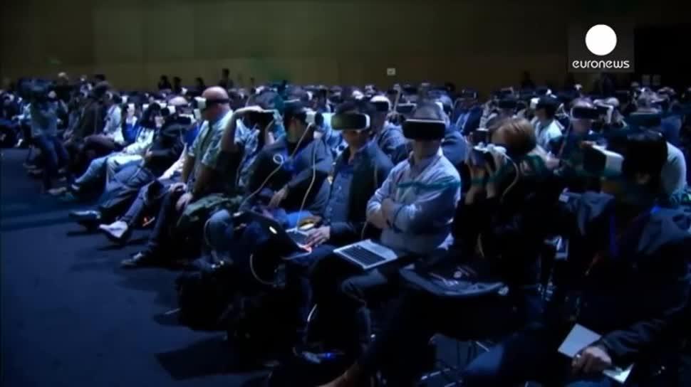 Samsung, Facebook, LG, Virtual Reality, Mwc, VR-Brille, Zuckerberg, EuroNews, Mwc 2016, Samsung Galaxy S7, Galaxy S7, Samsung Galaxy S7 Edge, LG G5, G5, Galaxy S7 Edge, Samsung Gear, S7, 360-Grad-Kamera, Gear 360, 360 VR, Cam 360