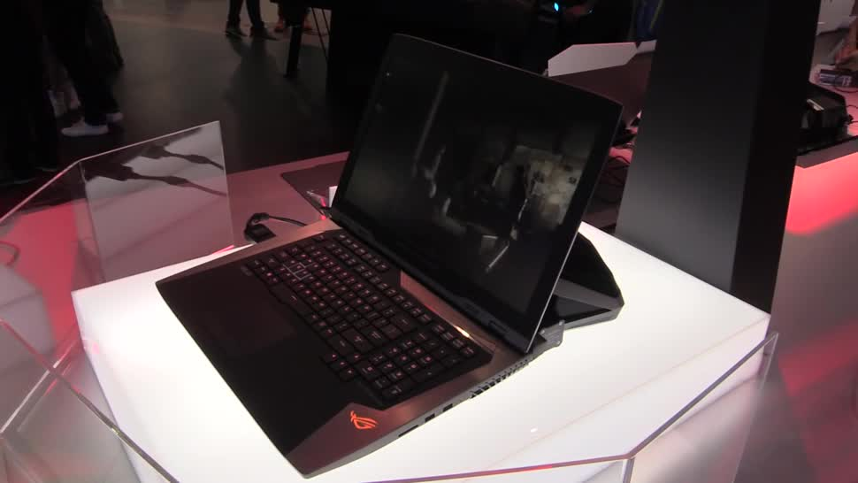 Windows 10, Notebook, Laptop, Asus, Hands-On, Computex, NewGadgets, Computex 2016, Wasserkühlung, ASUS ROG, GX800, Asus ROG GX800