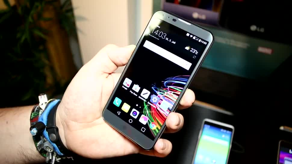 LG X Mach im Hands-On: QuadHD-Display & Cat9-LTE in der