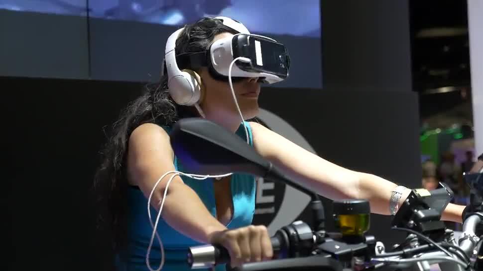 Samsung, Gamescom, Virtual Reality, VR, Headset, Kopfhörer, VR-Brille, VR-Headset, Samsung Galaxy Note 7, Galaxy Note 7, MicroSD, Timm Mohn, Gear VR, Gamescom 2016, Samsung Gear VR, 4D-Kino, VR-Motorrad, Level On