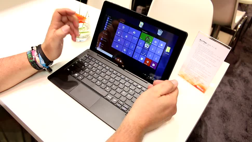 Windows 10, Tablet, Test, Quadcore, Hands-On, Ifa, Tastatur, Hands on, 2-in-1, Full Hd, Keyboard, Review, IFA 2016, Dock, Trekstor, Intel Atom X5-Z8300, SurfTab, TrekStor Surftab Twin 11.6