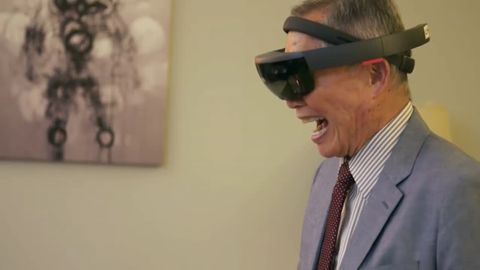 Microsoft, Augmented Reality, Augmented-Reality, HoloLens, Microsoft HoloLens, Hologramm, AR-Brille, Actiongram, George Takei
