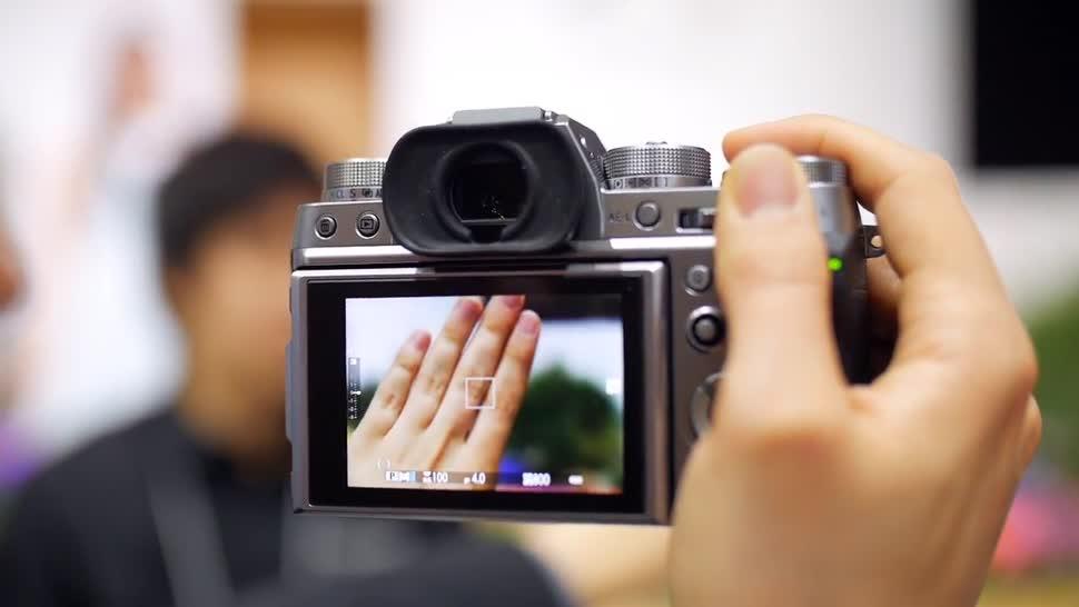 Fujifilm bringt DSLM mit schnellen Serienbildern und 4K-Video