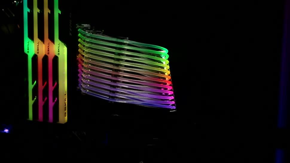 Pc, Netzwerk, Computex, Kabel, Licht, Led, Roland Quandt, Computex 2018, Netzteil, Beleuchtung, bauteile, RGB, Netzteilkabel, LIanLi, Verkabelung