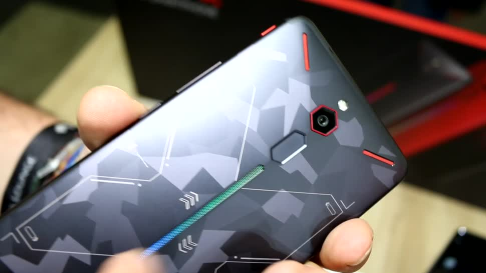 Smartphone, Gaming, Spiele, Hands-On, Hands on, Game, Zte, Oreo, Led, Android 8.1, 18:9-Format, Android Pie, Nubia, Heatpipe, Red Magic, Nubia Red Magic