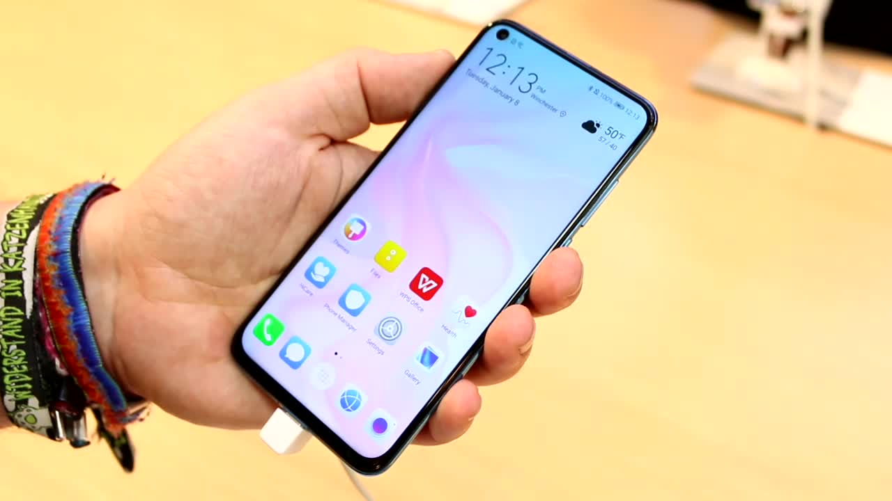 Smartphone, Huawei, Test, Octacore, Hands-On, Ces, Hands on, Full Hd, Review, LCD, Android 9.0, CES 2019, Kirin 970, Hole In Active Area, EMUI 9.0, Sony IMX586, Huawei Nova 4, Nova4, HIAA