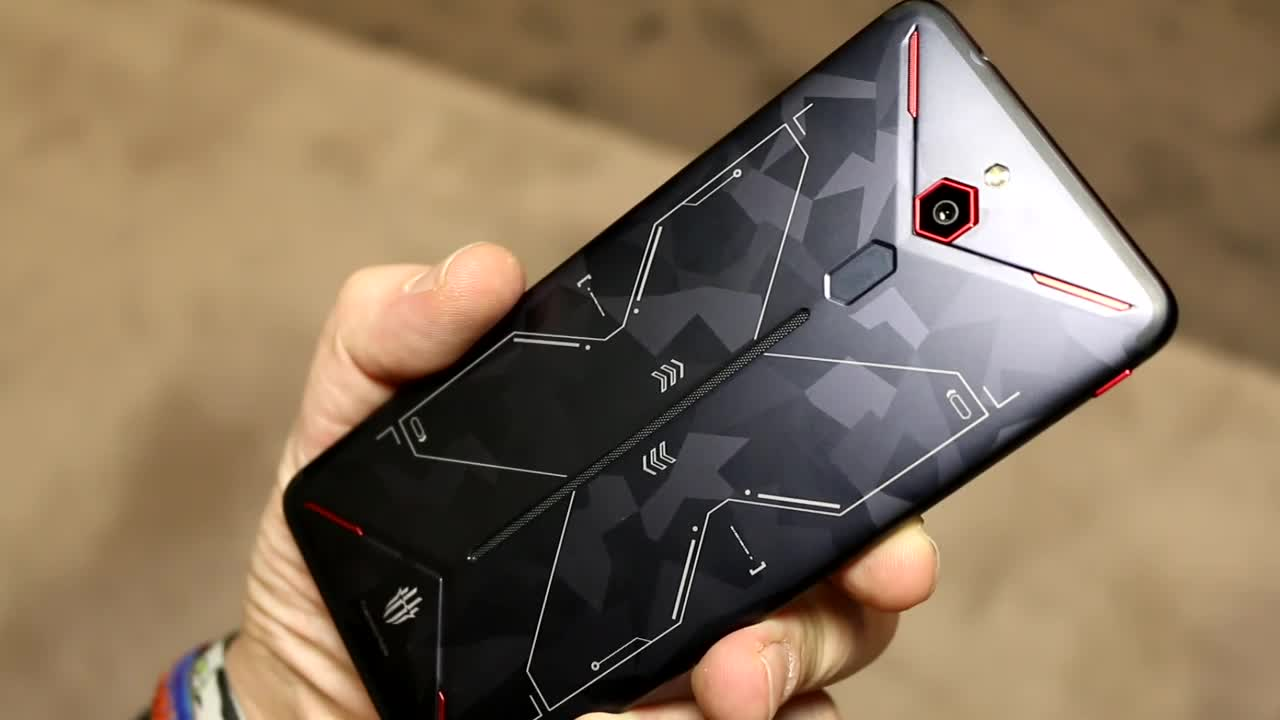 Smartphone, Android, Gaming, Hands-On, Ces, Zte, Roland Quandt, CES 2019, Nubia RedMagic Mars