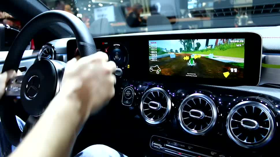 Auto, Mwc, Mobile World Congress, Roland Quandt, MWC 2019, Mercedes Benz, Mario Kart, Bordcomputer, CLA