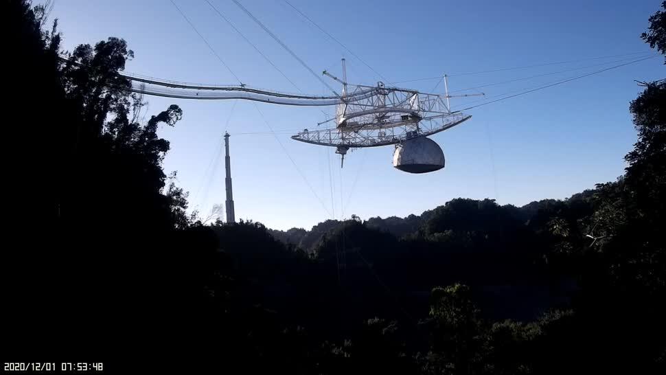 Spektakuläres Video zeigt den Einsturz des Arecibo-Radioteleskops