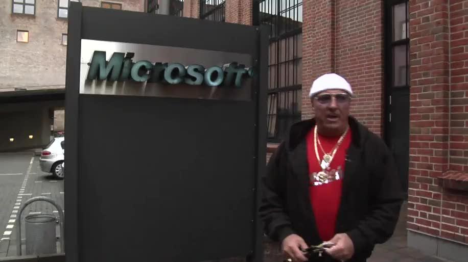 Microsoft, Facebook, Piraterie, Fälschung, Raubkopie, Kampagne, Kopien, Softwarefälschung, Inkasso-Henry