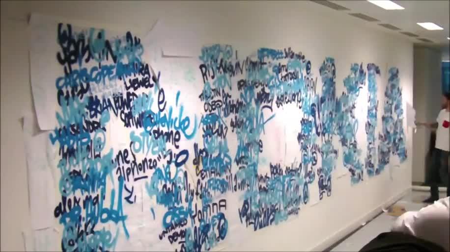 Nokia, Twitter, Graffiti